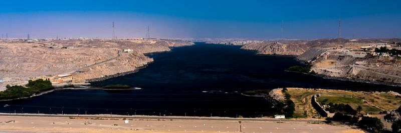 Vysoká Asuánská přehrada, Egypt.