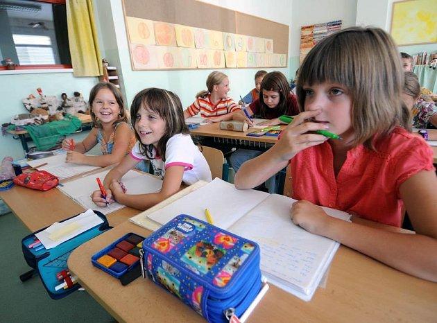 Žáci čtvrtých a osmých tříd českých škol se podle průzkumu zhoršili jak v matematických, tak přírodovědných znalostech.
