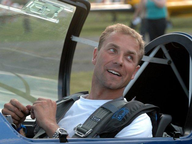 Akrobatický pilot Martin Šonka zůstal poprvé v sezoně bez bodu.