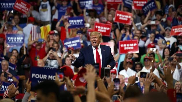 Šéf Bílého domu Donald Trump dnes na shromáždění svých přívrženců v Orlandu na Floridě ohlásil, že oficiálně začíná svou kampaň za znovuzvolení prezidentem USA.