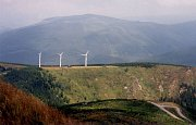 Bývalé větrné elektrárny ČEZ v Jeseníkách (lokalita Mravenečník, 90. léta 20. století)