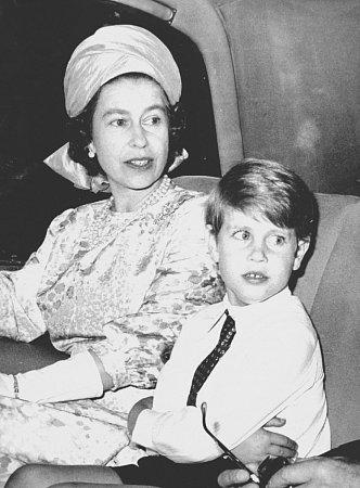 Archivní fotografie Alžběty a Edwarda.