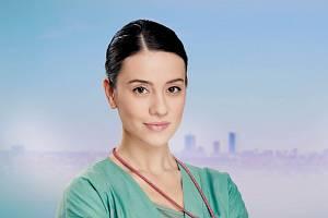 Jako zdravotní sestra Ema v seriálu Anatomie života.