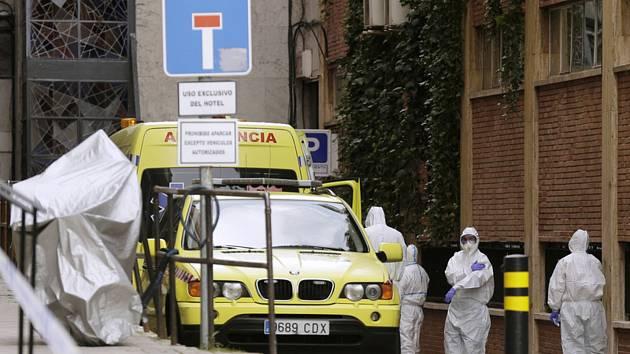 Ve Španělsku v těchto dnech kvůli opatřením proti šíření nového koronaviru nelze jít ani s dítětem na procházku, protože i na nákup se musí chodit jednotlivě
