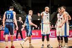 Čeští basketbalisté na palubovce