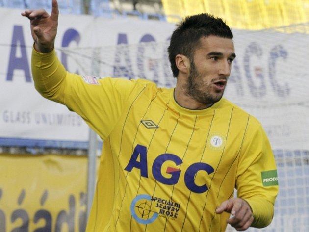 Kanonýr Teplic Aidin Mahmutovič se raduje z gólu.