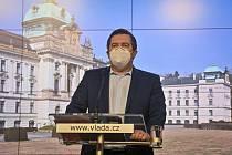 Místopředseda vlády a ministr vnitra Jan Hamáček (ČSSD) vystoupil na tiskové konferenci po jednání vlády 1. března 2021 v Praze