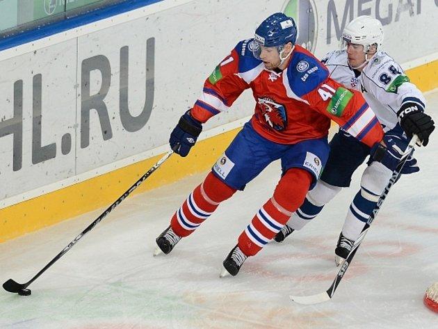 Martin Škoula (vlevo) teď hraje za Slovan Bratislava.