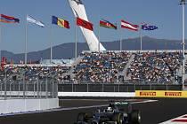 Lewis Hamilton ovládl kvalifikaci v Soči