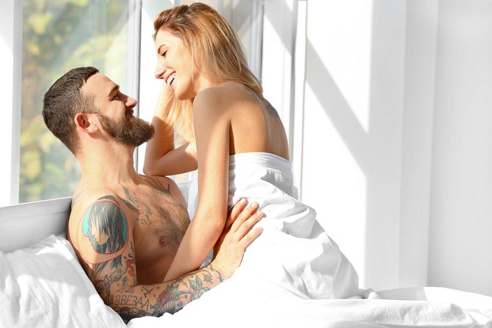Sexuologové tvrdí již dlouho, že muži se trápí zbytečně a dámy zajímá velikost rozhodně méně, než si pánové myslí.