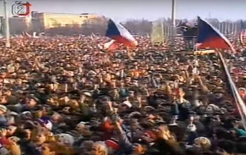 Počet manifestujících je odhadován na 750 tisíc