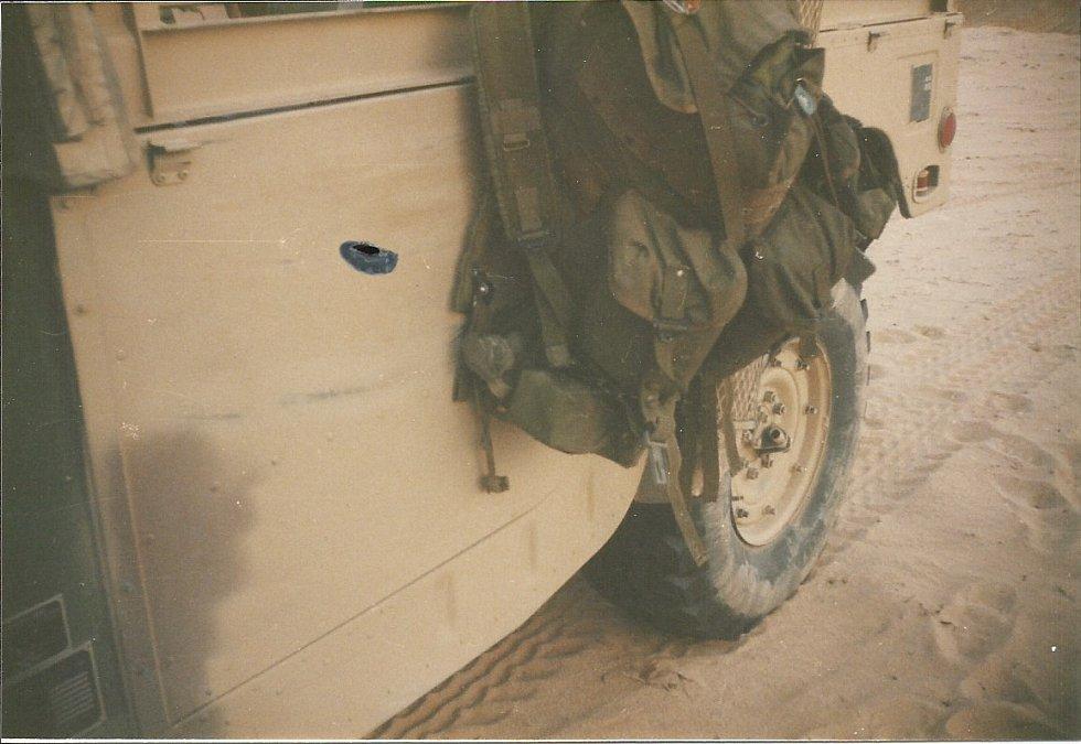 Snad všichni vojáci účastnící se bitvy o Chafdží se někdy ocitli v bezprostředním ohrožení. Humvee řízené desátníkem Richardem Lovellem prošpikovala palba z ručních zbraní, Lovell naštěstí přežil
