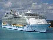 4. Oasis of the Seas - délka 360 metrů, hrubá tonáž 225 282 GT
