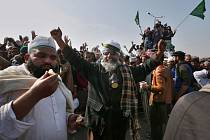 Islamisté v Pákistánu oslavují rezignaci ministra, který se v jejich očích dopustil rouhání