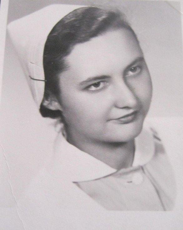 Ingeborg Cäsarová jako zdravotní sestra (1954)
