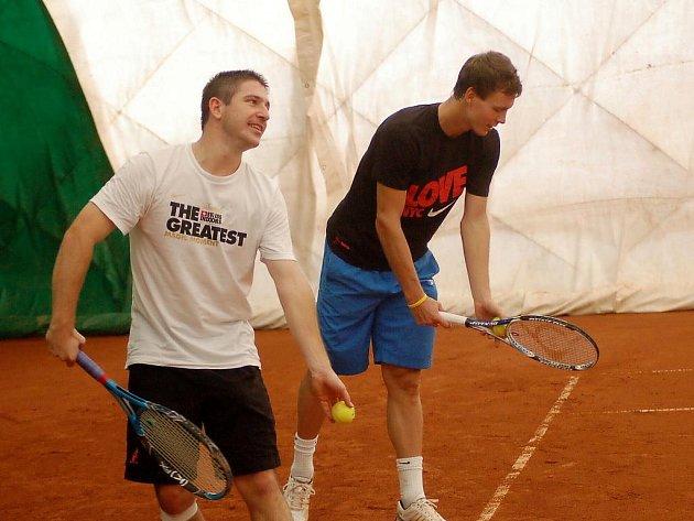 Tomáš Berdych se na finále Davis Cupu připravuje v hale v Prostějově.