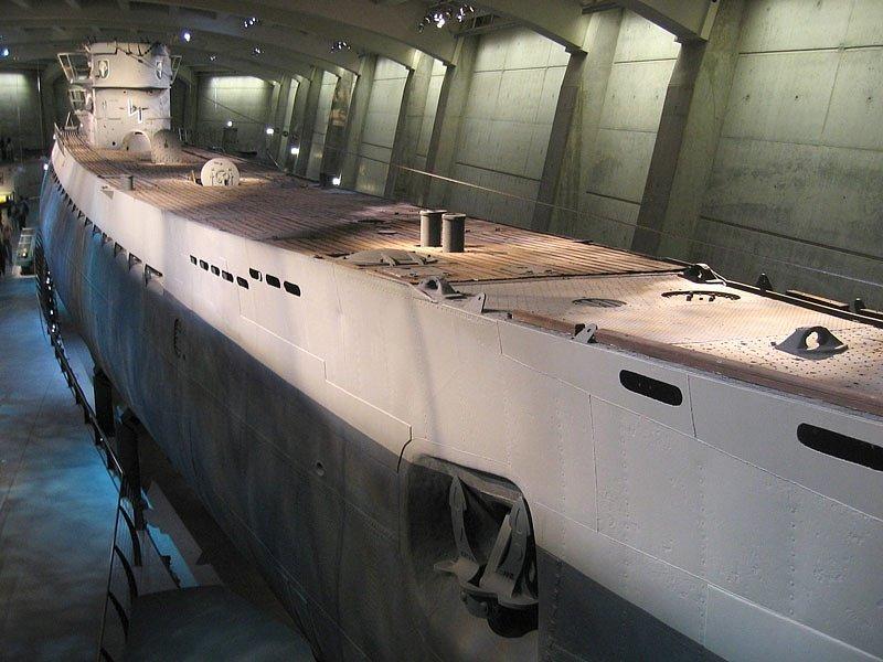 Ponorka U-123 byla ponorkou typu IXB německého nacistického válečného námořnictva. Podobnou ponorku lze shlédnout v chicagském muzeu