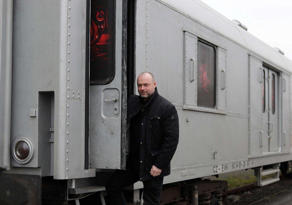 Školáci okusí život feťáka v protidrogovém vlaku
