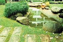 UPOUTÁNÍ POZORNOSTI. Kameny přitáhnou pohled návštěvníků, kam potřebujete.