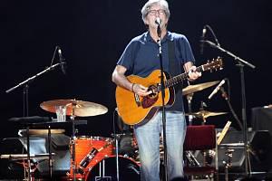 Fanouši přišli o návrat Erica Claptona do pražské O2 Arény.