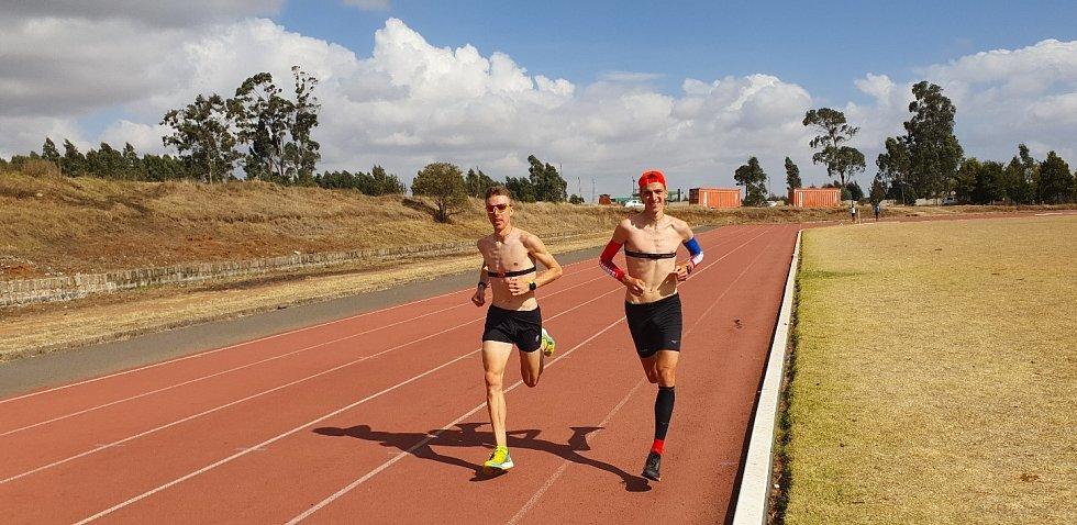 Jiří Csirik s Davidem Vašem při soustředění v etiopském Suluthe