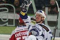 Plzeňský Martin Adamský se raduje z gólu do sítě Třince.