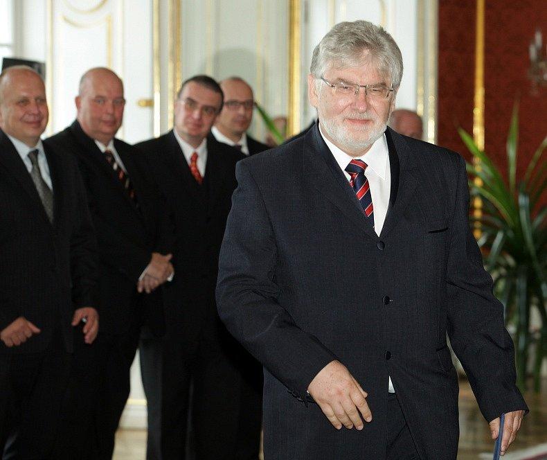 Prezident Miloš Zeman jmenoval ve středu na Pražském hradě novou vládu.