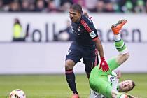 Wolfsburg - Bayern Mnichov: Douglas Costa a Maximilian Arnold