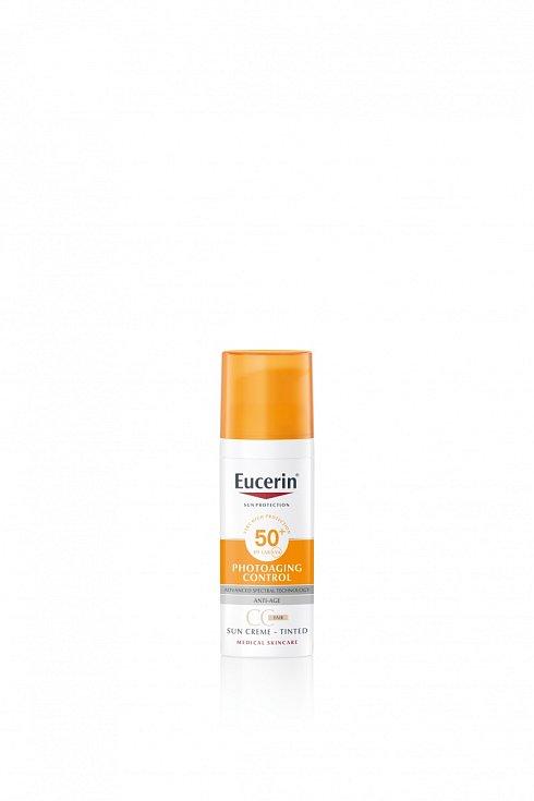Tónovací opalovací CC krém na obličej Photoaging Control SPF 50+, Eucerin, 505 Kč