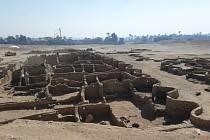 Archeologové objevili v Egyptě rozsáhlé starověké město, které bylo po staletí v zapomnění, přestože se nachází poblíž některých nejznámějších egyptských památek ve městě Luxoru.