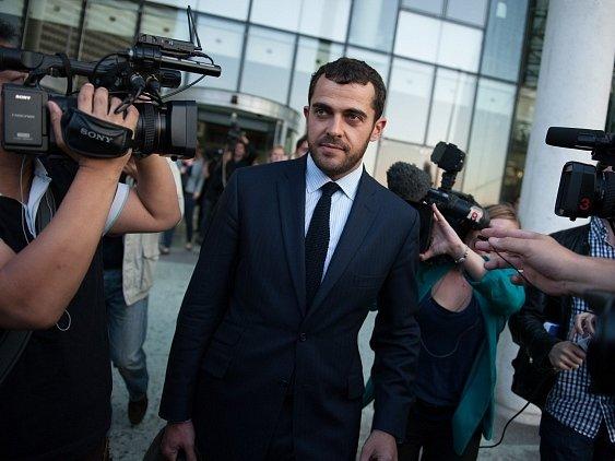 Královský pár ve sporu zastupuje francouzský právník Aurelien Hamelle