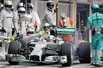 Takhle se v Mercedesu starají o Lewise Hamiltona.