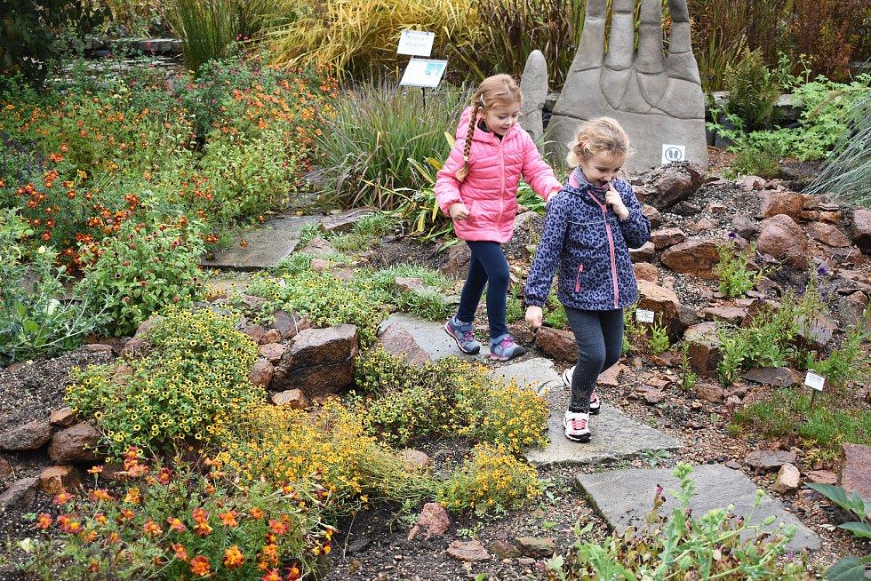 Teplice. Botanická zahrada, návštěvníci
