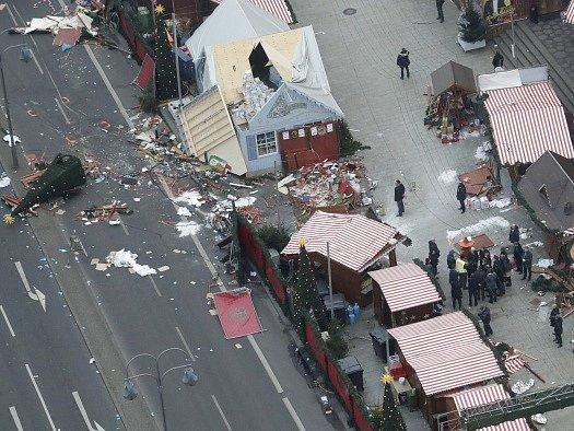 Německý nejvyšší státní zástupce Peter Frank vychází z toho, že berlínský útok má teroristické pozadí.