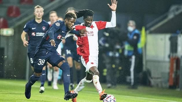 Peter Olayinka v zápase Midtjylland - Slavia
