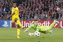 Basilej - Liverpool: Raheem Sterling překonal Tomáše Vaclíka, ale z ofsajdu