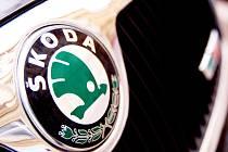 Šrotovací příspěvek na pořízení nového auta, jenž zavedla velká část států Evropské unie, dál zachraňuje české výrobce. Naposledy to potvrdila automobilka Škoda. Díky poptávce ze zahraničí se totiž prudce zvedl zájem o samotné automobily i o motory.