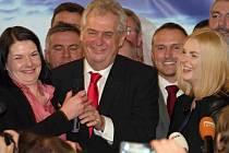 Vítězná atmosféra po volbách na prezidenta v Top Hotelu Praha a vítěz Miloš Zeman, 26.ledna.