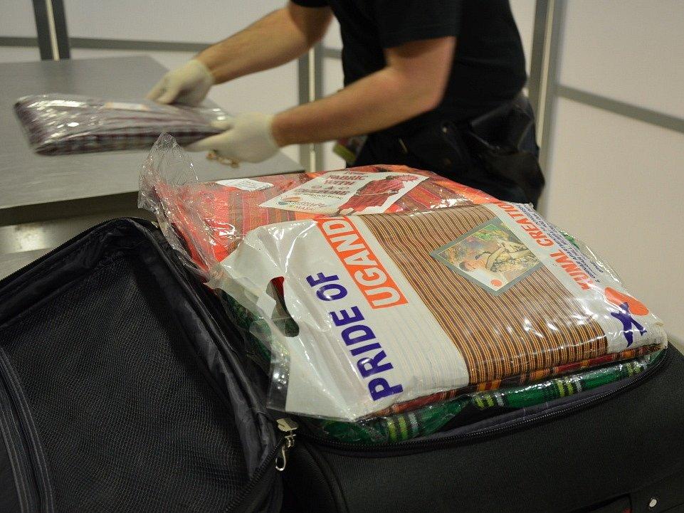 Ruzyňští celníci odhalili pašovaný heroin.