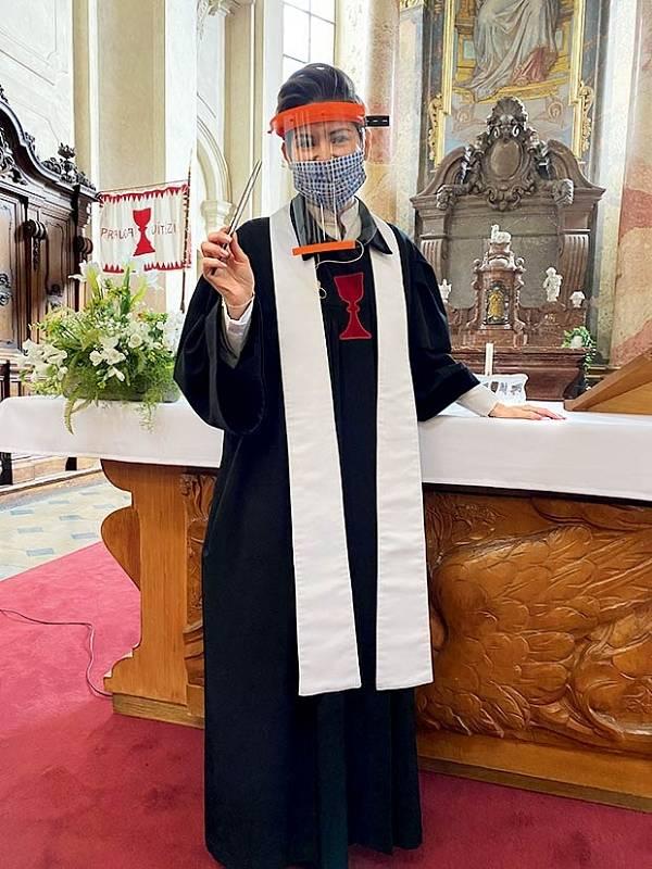 Farář za časů korony: Dokud nebyly bohoslužby úplně zakázány, dodržovali duchovní všechna preventivní opatření.