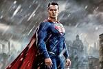 O tom, že je ideálním představitelem Supermana, se režisér Snyder ujistil, když na sebe Henry navlékl kostým a nikdo se nesmál.