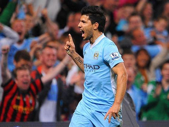 Agüero nadchl fanoušky City, v úvodním utkání letošní Premier League vstřelil dva góly.