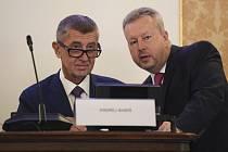 Premiér Andrej Babiš (vlevo) a ministr životního prostředí Richard Brabec se zúčastnili 17. září 2019 v Praze konference na téma Změna klimatu: ochrana a adaptace v podmínkách ČR