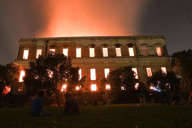 Požár brazilského národního muzea v Rio de Janeiru