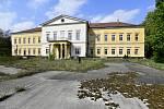 Dolní zámek v Panenských Břežanech