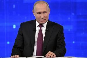 Ruský prezident Vladimir Putin při besedě s občany