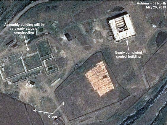 Satelitní snímky KLDR ukazují zastavení stavby raketové základny