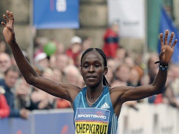 Joyce Chepkiruiová ovládla Pražský půlmaraton 2014vtraťovém rekordu.