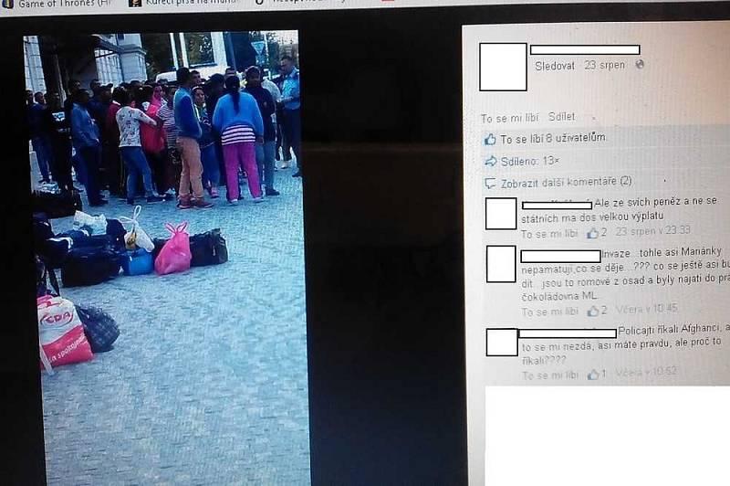 Před pár lety se po Facebooku začala šířit zpráva o skupině uprchlíků v Mariánských Lázních, provázená fotkou skupiny lidí tmavé pleti. Nešlo o uprchlíky, ale o Romy z východního Slovenska, kteří nestihli vystoupit v Plané, kde měli pracovat v továrně.