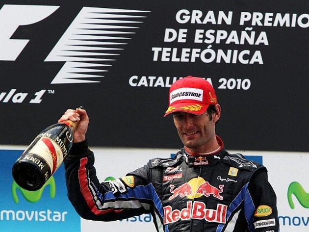Mark Webber ze stáje Red Bull slaví vítězství v GP Španělska.